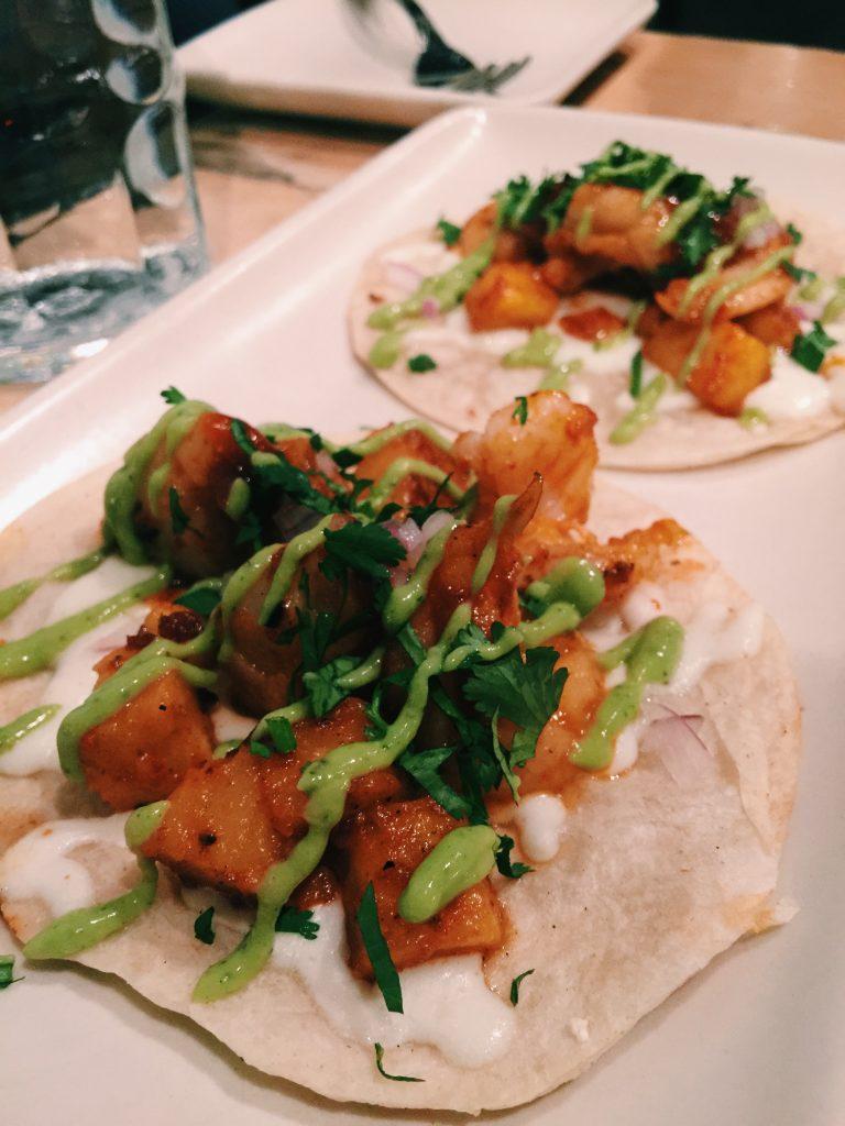 Maradentro-SC-dos-gringas-shrimp-tacos.jpg
